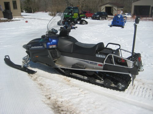 2007 Grooming snowmobile for sale